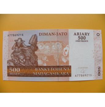 bankovka 500 madagarských ariarů/2004