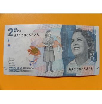 bankovka 2000 kolumbijských pesos/2015